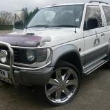 Dezmembrari auto - Vand piese Mitsubishi Pajero