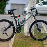 Bicicleta profesionala Rocky Mountain ETSX-70, bascula din carbon - Mountain Bike, 18 inch, 16 inch, Numar viteze: 21, Aluminiu, Gri metalizat