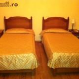 Vand dormitor lemn masiv - Mobilier