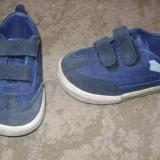 Adidasi Champion, nr 19 - Adidasi copii
