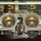 Baterie + injectoare principale motocicleta cbr 600 rr Honda 05-06