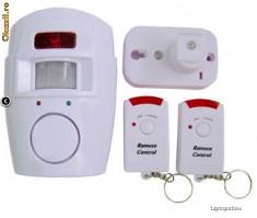 Sisteme de alarma - ALARMA wireless cu senzor de miscare, accesare de la distanta, 2 telecomenzi, alimentare pe baterii!
