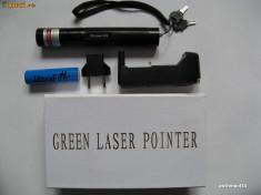 Laser pointer - Laser / Lasere Verde Pointer 200 MW ( 200mw ) 532 nm Cu Acumulator 18650 Ultrafire Si Punct Reglabil + Proiectii Stelare SD 303