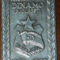 PLACHETA ANIVERSARA CLUBUL SPORTIV DINAMO BUCURESTI 1948-1988. EMBLEMA - Insigna fotbal