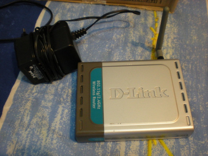 Router wireless 802.11 b/g D-Link  model DI 524 foto mare