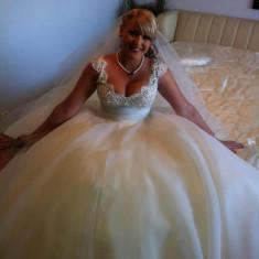 Rochie de mireasa La Fleur Couture - Rochie de mireasa printesa