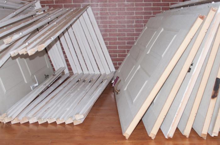 Vand usi din lemn masiv, diferite dimensiuni, usor folosite foto mare