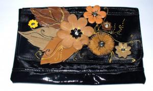 """Geanta piele neagra handmade """"Flori de toamna"""" foto"""