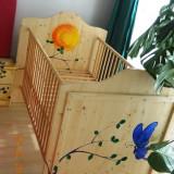 Patut lemn pentru bebelusi - Pat copil din lemn natur pictat manual