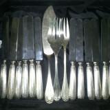 Cutite cu maner de argint, Tacamuri