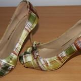 Pantofi dama, Marime: 37, Multicolor - Pantofi cu toc si decupati in fata