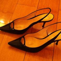 Pantofi negri, toc 5 cm, bretea la spate si tocul din lac, masura 39 - Pantof dama Casadei, Culoare: Negru, Negru