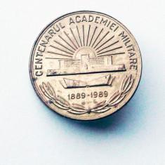 ROMANIA INSIGNA CENTENARUL ACADEMIEI MILITARE 1889 - 1989, 26 mm **, Romania de la 1950