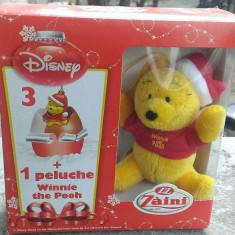 Extra kinder - Zaini Winnie the Pooh in Costum de Craciun, ursulet de plus, nou, in cutie