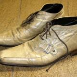 Pantofi barbati piele marimea 40 , locatie raft ( 11 / 4 )