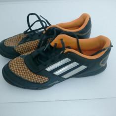 Ghete fotbal - Adidasi fotbal sala teren sintetic marimea 38 2/3 ADIDAS 100% ORIGIN