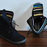 Tenisi dama, Marime: 36, Negru - Pantofi sport cu dungi colorate - BSB