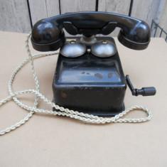 Colectii - Telefon vechi cu manivela fabricat de Electromagnetica