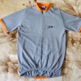 Tricou ciclism.unisex;S: 52.5 cm bust, 58.5 cm lungime; 4 buzunare spate; ca nou