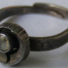 Inel argint - Inel vechi din argint cu piatra alba (6) - de colectie