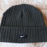 Caciula Nike; marime universala, reglabila; stare excelenta