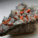 Fosila roca - Mineral din colectie - REALGAR PE CUART