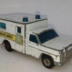 Macheta MATCHBOX Superfast nr. 41 - Ambulanta 1977, Lesney, fabricata in Anglia - Macheta auto