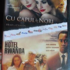 CU CAPUL IN NORI (HEAD IN THE CLOUDS) CU PENELOPE CRUZ, CHARLIZE THERON/HOTEL RWANDA CU DON CHEADLE, NICK NOLTE - Film drama Altele, DVD, Romana