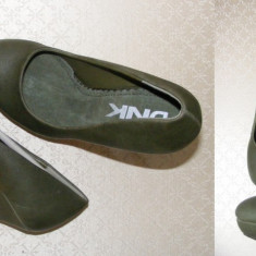 Pantofi dama Dkny, Piele naturala - DNK pantofi femei PLATFORMA Calapod excelent, platforma 3 cm, toc 12, 5 cm. Marime 36, 5/37 si 38, 5/39. OUTLET Arad. Produse originale NOI.