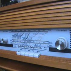 Radio freiburg neckermann cu lampi an fabricatie 1970 - Aparat radio, Analog, 0-40 W