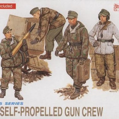 + Macheta 1/35 Dragon 6016 - German self-propelled gun crew FARA CUTIE + - Macheta auto