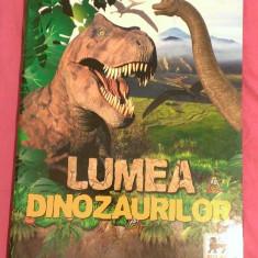 Album gol Mega Image Lumea Dinozaurilor, nou - Cartonas de colectie