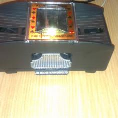 Amesticator automatic de carti - Jucarie interactiva