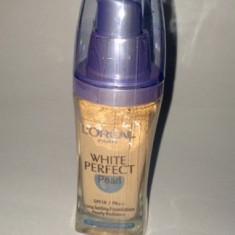 Fond de ten Loreal Paris White Perfect Pearl, Lichid