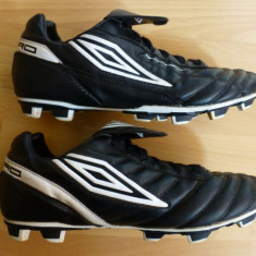 Ghete fotbal - Adidasi fotbal cu crampoane Umbro DiamondBack, Made in Vietnam; marime 43