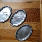 Trei tavite ovale, din metal,borduri margelate,16,5x11,5cm.,uzura generala