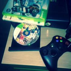Xbox 360 Microsoft 250gb ca nou (GTA 5 + SKATE 3 + NHL 12 )