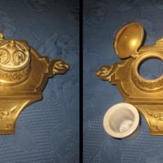 Arta din Metal - Set Birou vechi cu calimare din bronz aurit Franta anii 1900.