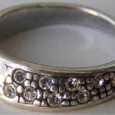 Inel argint - Inel vechi din argint cu 9 pietre albe - de colectie