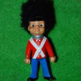Jucarie figurina soldat britanic, garda regala britanica, suvenir din anii '90 de la palatul Buckingham, Anglia, cauciuc, vechi, vintage, colectie - Figurina Povesti