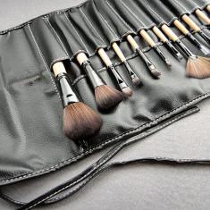 Pensula make-up - OFERTA Trusa machiaj profesionala set 12 pensule machiaj make up profesionale Bobbi Brown pensoane cu borseta inclusa