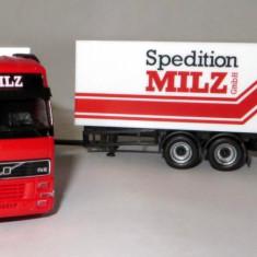 Macheta auto - Herpa VOLVO FH12 remorca spedition MILZ 1:87