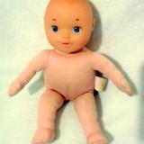 Bebelus cu cap plastic de la Chicco 32 cm - Super Pret - Papusa Chicco, 4-6 ani, Unisex