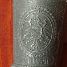 Metal/Fonta - Lot 2 bucati -- Pahar din zinc cu ornamente - scene in relief - marcaj - Austria ( Osterreich ) !!!