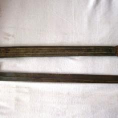 Sabie de ofiter tip baioneta, an 1875 cu teaca din piele, autentificata, 65 cm