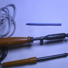 Un lot de 2 letcon ciocan de lipit pistol functionale