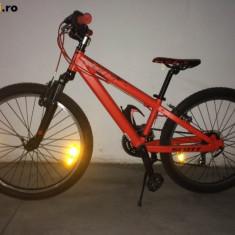 Bicicleta Scott Junior Voltage JR24 (ideal pt 9-11 ani) - Bicicleta de oras, 15 inch, Numar viteze: 6, Aluminiu, Rosu