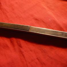 Metal/Fonta - Set voiaj vechi -Cutit-Furculita in Etui Art-Deco, metal argintat si lemn