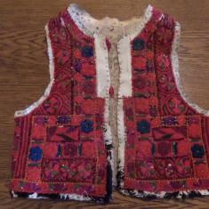 Costum popular - ILIC / VESTA PENTRU FEMEI, TINUTUL PADURENILOR