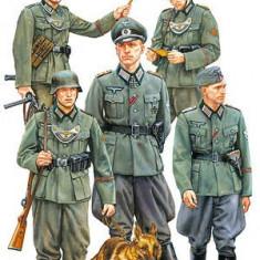 + Kit figurine 1/35 Tamiya 35320 - German Field Police (FARA CUTIE) + - Macheta auto